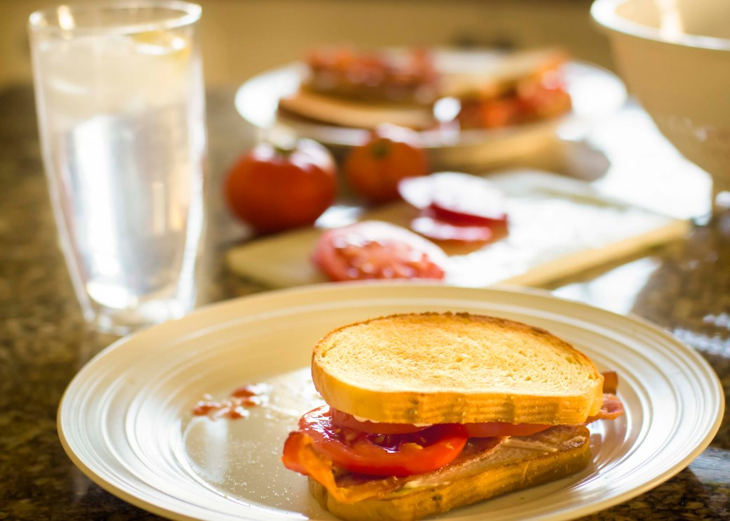 bacon tomato sammieslow