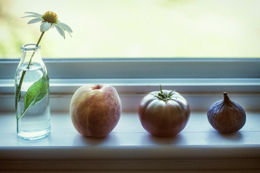 window sill lr